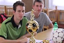 František Filištein mladší (vlevo) a Tomáš Müller na vyhlášení soutěží a nejlepších střelců minulé sezony.