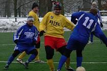 V posledním utkání v Hlubocké zimní lize Kamenný Újezd podlehl Týnu 2:7, v nohou měl ale náročný program.