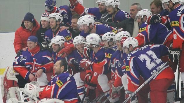 David servis doma porazil ve třetím utkání Radomyšl 3:2 a postupuje do finále krajské ligy.