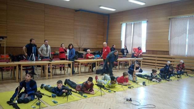 STŘELBA. Dětské závody pořádají organizátoři z SSK Stromovka obvykle v kulturním sále obce Borek
