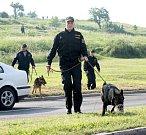 Policie prohledávala i méně přístupná místa
