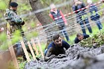 V kempu Křivonoska u Hluboké nad Vltavou odstartoval prvním závodem seriál extrémních překážkových běhů Army Run 2017