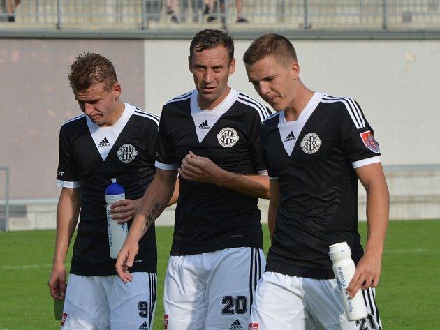 Michal Řezáč (vlevo) v Třinci rozhodl o výhře Dynama.