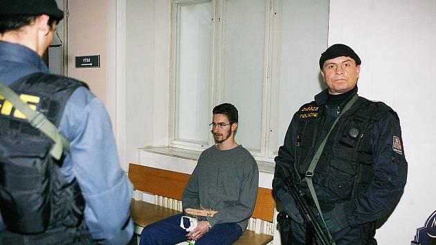 Jan Heidinger byl předveden před okresní soud v Českých Budějovicích