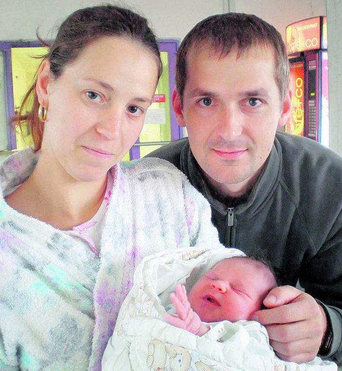 Šťastní rodiče Zdeněk Švejda a Štěpánka Kašková z Velešína se radují z narození dcery Anety Švejdové.Na svět přišla 7.9.2010 v 17.00 h s váhou 3,56 kg.