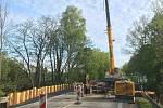 Budování podchodu pod E-55 u Velešína.