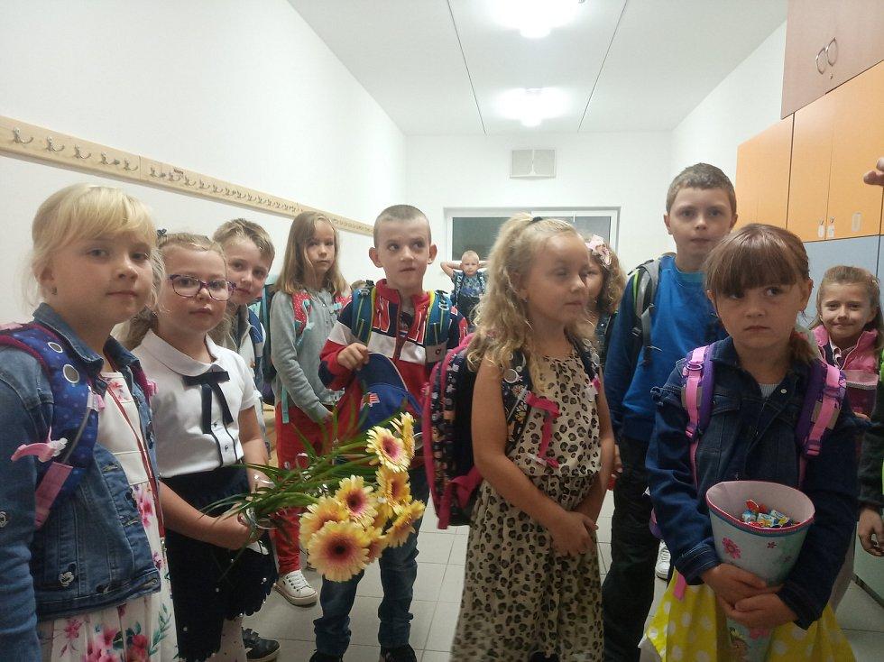 Noví žáci 1.C na základní škole Oskara Nedbala v Českých Budějovicích.