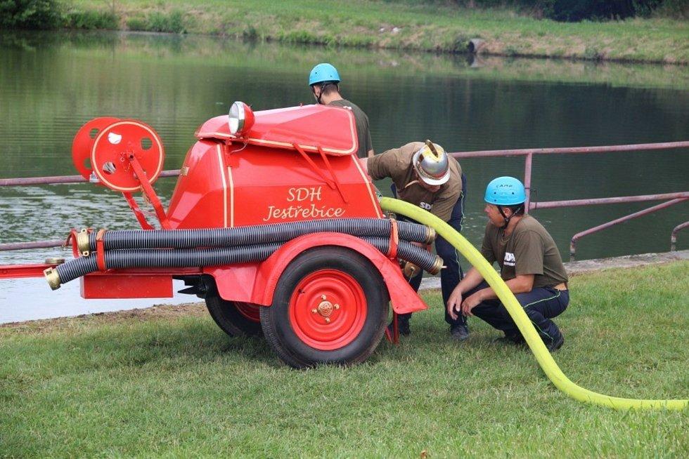 Stará hasičská technika v akci se opět představí v Nemějicích.