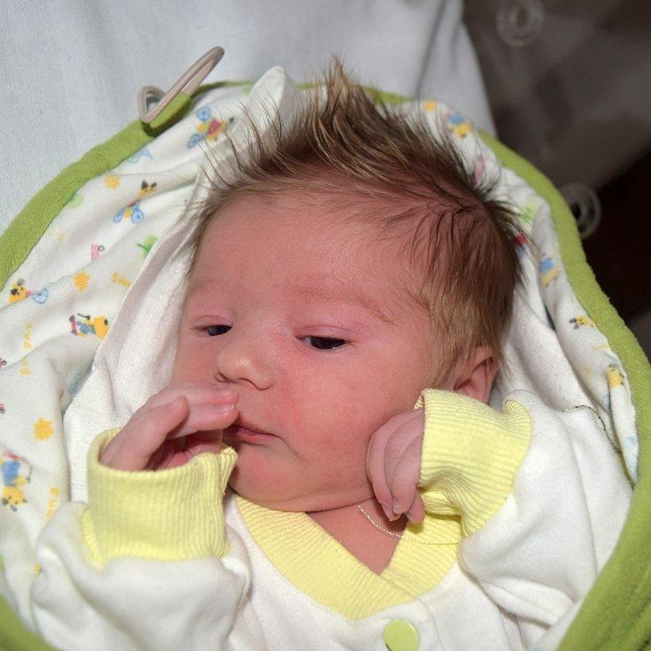Aleš Melichar z Tábora. Narodil se 8. září 2020 v 8.12 hodin jako druhé dítě v rodině. Vážil 3280 gramů, měřil rovných 50 cm a doma už má sestřičku Beatku, které je devět let.