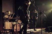 Skupina Vees z Českých Budějovic si letos zahraje na prestižním festivalu Colours of Ostrava.