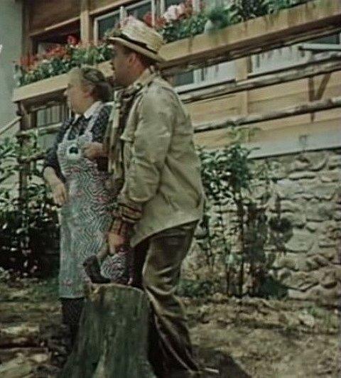 Hospodyně a Xaver vyhlížejí bývalou milenku Helenu.