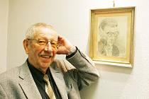 Bohumil Voborník před svým autoportrétem z počátku 60. let.