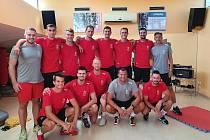 Tým zahájil tréninky,h ráči navštěvují  posilovnu ve Fitness Pouzar, vyrážejí na Kleť, hrají beachvolejbal.