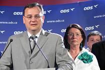 Návštěvě premiéra předcházelo čtvrteční jednání v Táboře, kde se diskutovalo hlavně o rozpadu pražské koalice a o odvolání primátora Bohuslava Svobody.