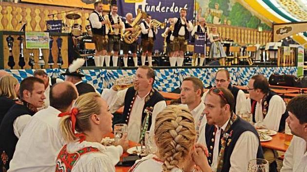 Bavorské kolegy si rádi poslechli i čeští muzikanti.