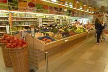 Modernizovaný úsek prodeje čerstvého ovoce a zeleniny.