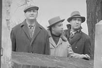 Záběr z filmu Mezi námi zloději.