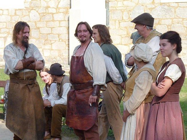 Momentka z natáčení pohádky Tři bratři - komparz.