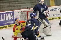 Juniorští hokejisté Motoru vyřadili Kladno a útočník Jan Bárta (vlevo) patřil k lídrům týmu.