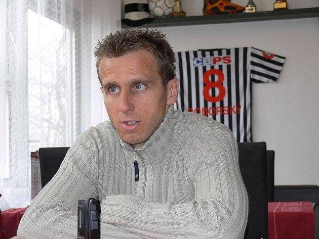Karel Poborský přemýšlí, zda půjde skloubit práci v klubu a ve svazu.