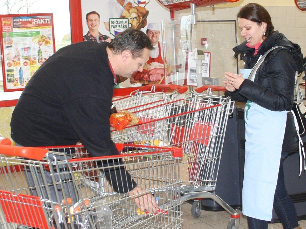 Do potravinové sbírky přispěli i Budějovičtí.