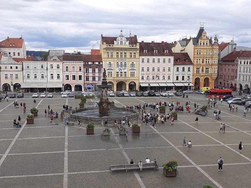 Policejní zásah na českobudějovickém náměstí.