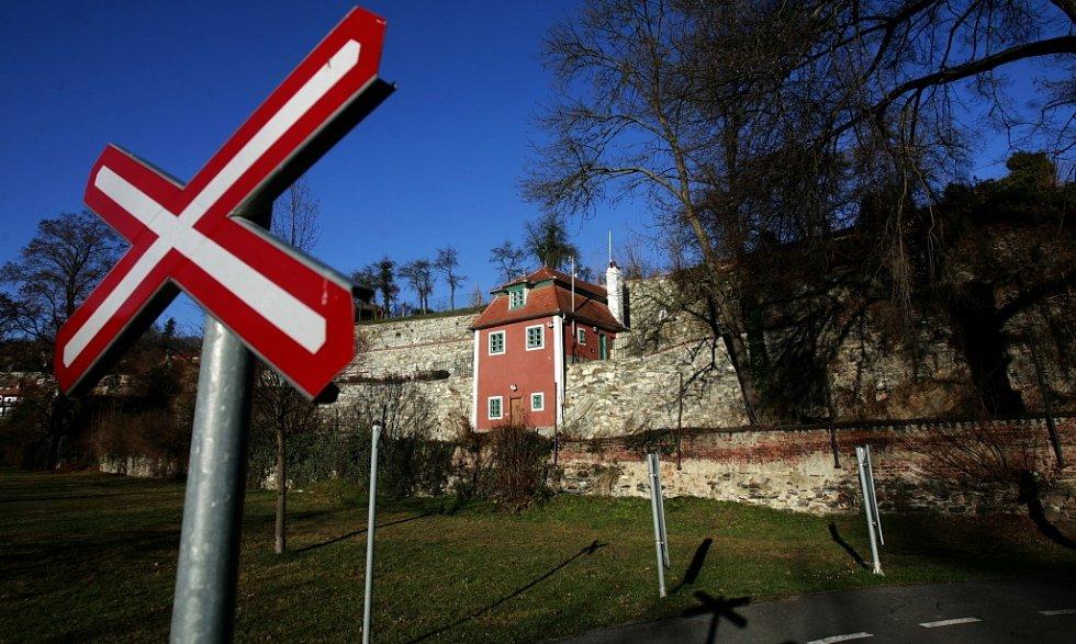 V Českém Krumlově opravili a zpřístupnili zahradní domek, v němž v roce 1911 žil a tvořil Egon Schiele.