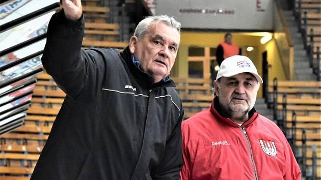 Trenérská dvojice David servisu Jiří Fedur (vlevo) a Milan Kupka vyhlíží středeční start druhé hokejové ligy.