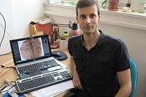 Jihočeský entomolog Pavel Sroka přispěl zkoumáním zkameněliny k významnému objevu.