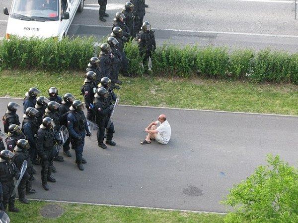 Těžkooděnci na Máji 13.července.