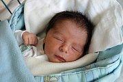Radost z prvního miminka prožívá i Hana Flíčková z Českých Budějovic. Její syn se jmenuje Jiří Flíček. Narodil se 10. 4. 2017 ve 22.10 h, vážil 3,28 kg.