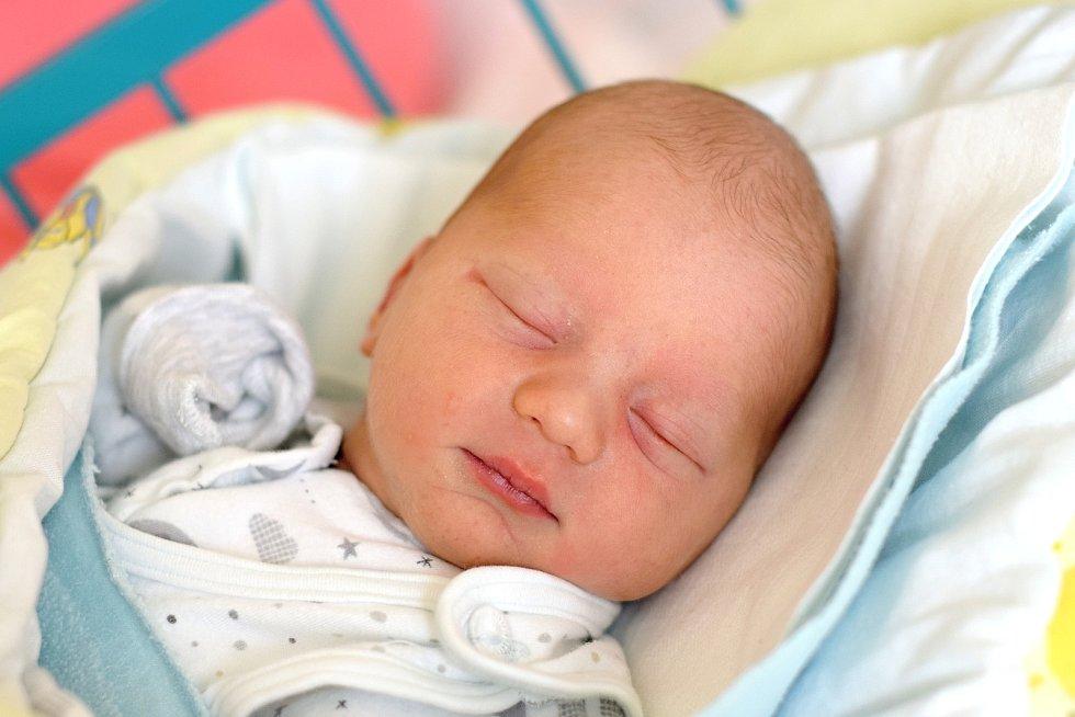 Zuzana Císařová je maminkou novorozeného Lukáše Císaře. Na svět jej přivedla 14. 7. 2020 v 9.41 h. Jeho porodní váha byla 3,62 kg. Doma bude v Lišově.