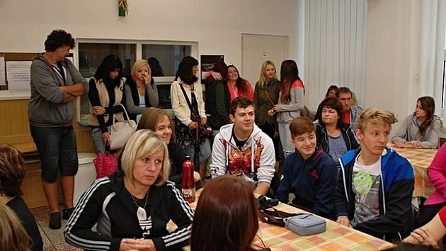 První školní den na Střední škole obchodu, služeb a podnikání v Kněžskodvorské ulici v Budějovicích.