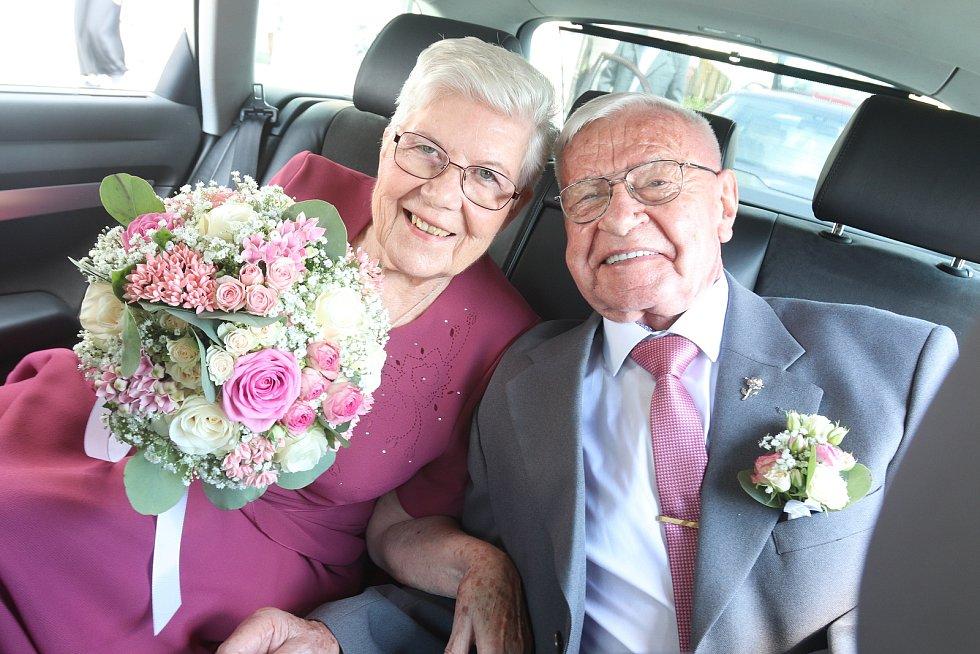 Diamantová svatba manželů Morcheových.