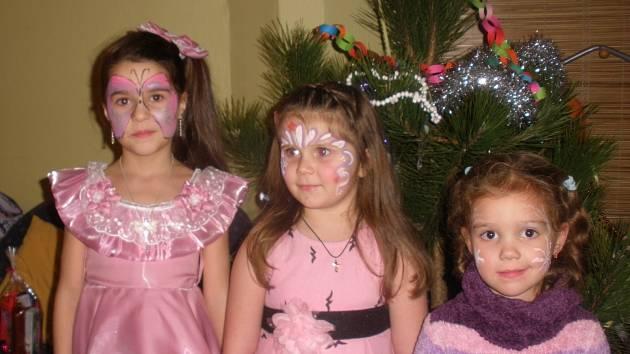 Děti se česky i rusky zaradovaly z dárků.