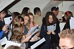 Koledy s Deníkem zpívalo také 56 zahraničních studentů, kteří jsou na Jihočeské univerzitě v rámci Erasmu.
