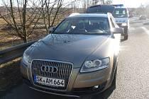 Auto za dva miliony korun odcizil zloděj v Salzburku. Mířil do Polska, jeho cesta však skončila na Budějovicku.