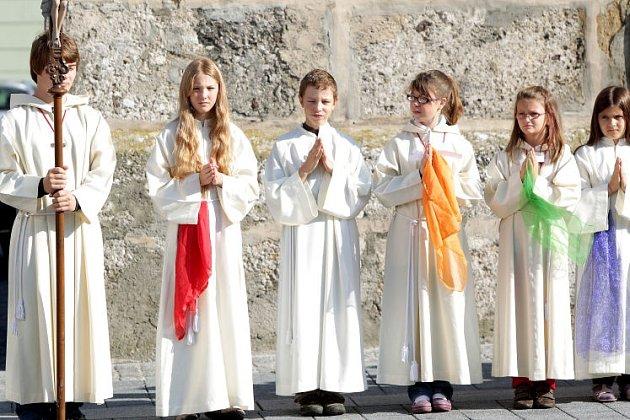 Mladých věřících neubývá.