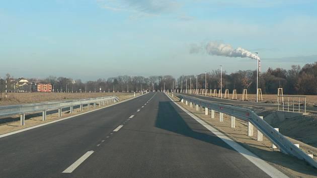 Rekonstruovaná podoba Plavské ulice v Českých Budějovicích. Nyní se chystá druhá etapa.