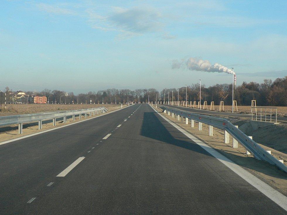 Rekonstruovaná podoba Plavské ulice v Českých Budějovicích. Slavnostně byla uvedena do provozu 1. prosince 2020. Jde o společnou investici města a kraje.