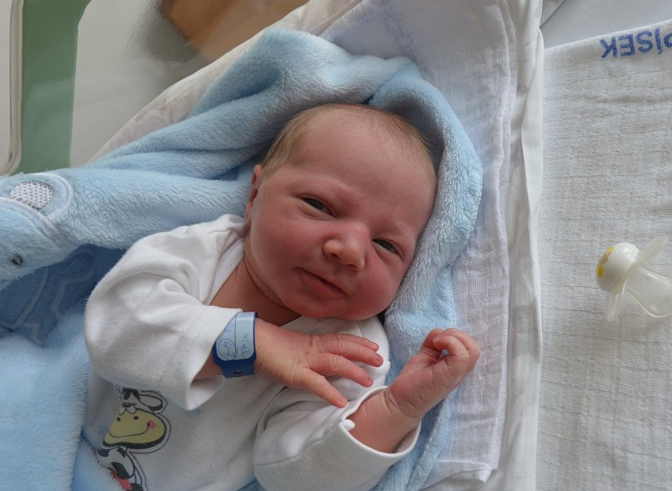 Vítek Zámečník z Písku. Syn Venduly a Václava Zámečníkových se narodil 18. 10. 2020 v 19.04 hodin. Při narození vážil 3200 g a měřil 50 cm. Doma se na brášku těšil Vašík (2).