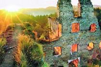 Nejhezčí turistická pohlednice Jihočeského kraje roku 2008 pochází z dílny fotografa Aleše Motejla, který má svůj ateliér na Senovážném náměstí v Českých Budějovicích. Motejl zabodoval i se  svými dalšími snímky jihočeských hradů.