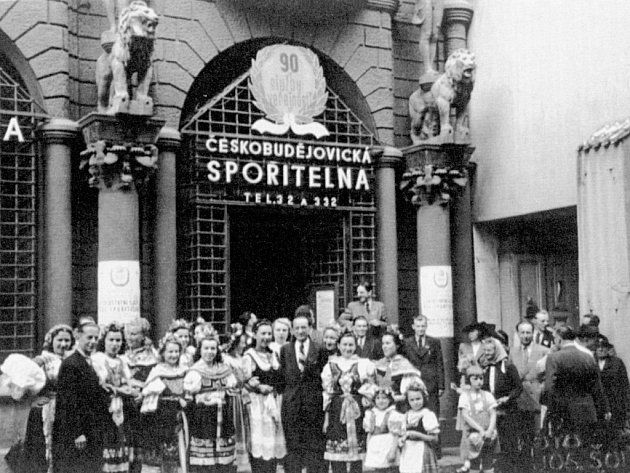 Spořitelna v Krajinské v roce 1946.