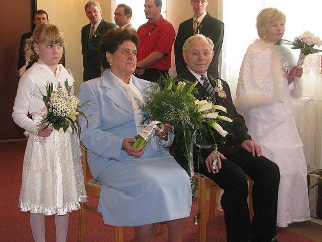 Manželé Marie a Josef Tomandlovi měli v sobotu 20. února 2010 diamantovou svatbu v Dubném na Českobudějovicku.