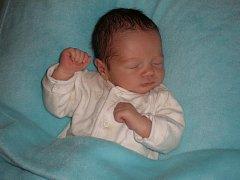 Maminka Hana Matějková z Českých Budějovic poslala do redakce fotografii svého miminka. Jmenuje se Miroslav Matějka, narodil se 12. 6. 2010  a váží 3,30kg