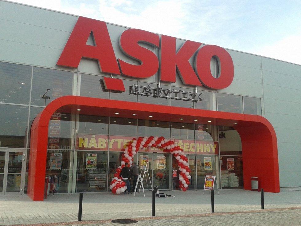 Svět nábytku a bytových doplňků nabízí prodejna Asko v Českých Budějovicích.