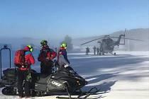 Záchranáři horské služby cvičili v zimních podmínkách v lipenském Ski areálu.
