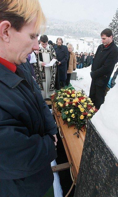 Pohřeb Jiřiny Jiráskové v Malenicích.