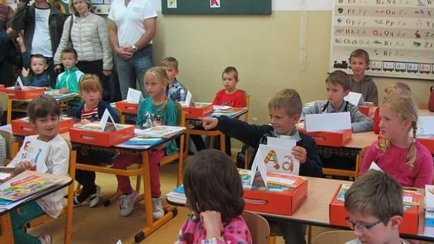První školní den na ZŠ Dubné.