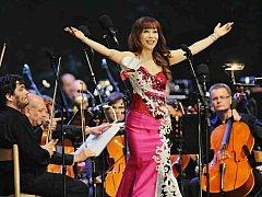 Jihokorejská koloraturní sopranistka Sumi Jo zahájila 17. července Mezinárodní hudební festival v Českém Krumlově.
